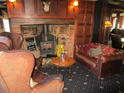 A229 Low Weald dog-friendly pub and dog walk, Kent - Driving with Dogs