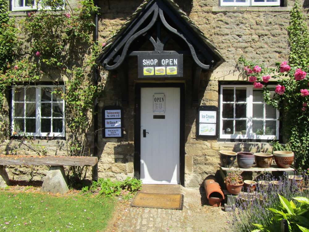A34 dog-friendly pub and dog walk near Oxford, Oxfordshire - Oxfordshire dog-friendly pub and dog walk