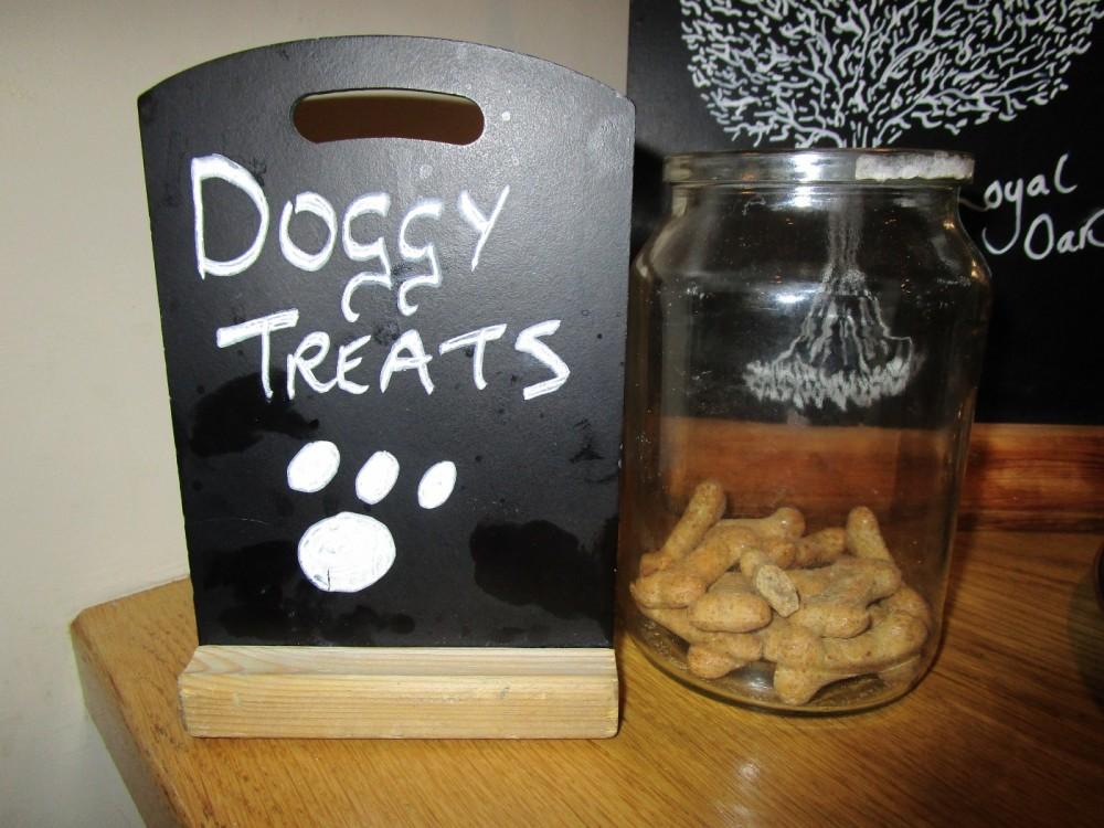 A23 dog-friendly pub and dog walk, West Sussex - Dog-friendly pub with dog walk Sussex.JPG