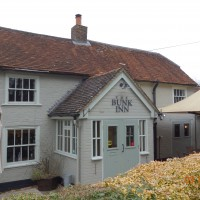 Dog-friendly pub and dog walk near Newbury, Berkshire - Berkshire dog friendly pub and dog walk2