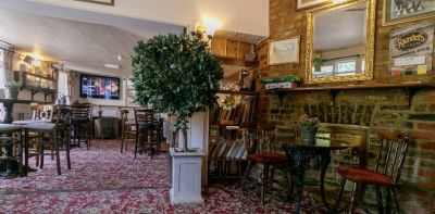 M25 dog-friendly pub and dog walk in Staines, Surrey - Driving with Dogs