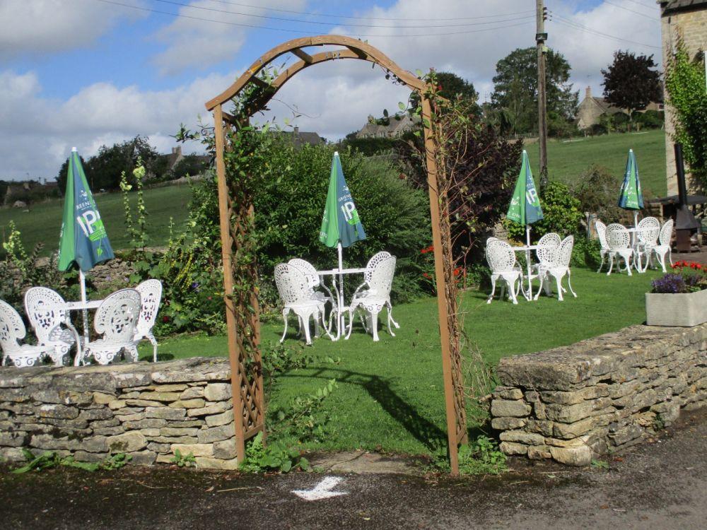 Dog-friendly country inn near the A40, Gloucestershire - Gloucestershire dog-riendly pubs.JPG