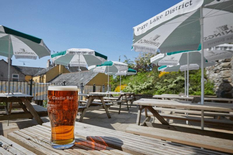 Dog-friendly bar and beer garden in Cockermouth, Cumbria - Cumbria dog-friendly pub