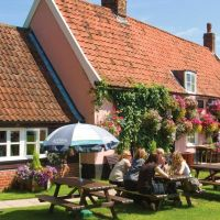A12 dog-friendly country dining near Ipswich, Suffolk - Suffolk dog-friendly pub and dog walk