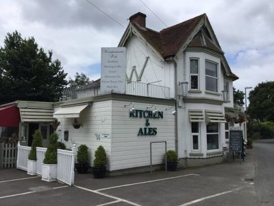 A27 dog-friendly pub near Southbourne, West Sussex - Driving with Dogs