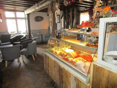 A21 dog-friendly pub and Italian market, Kent - Driving with Dogs
