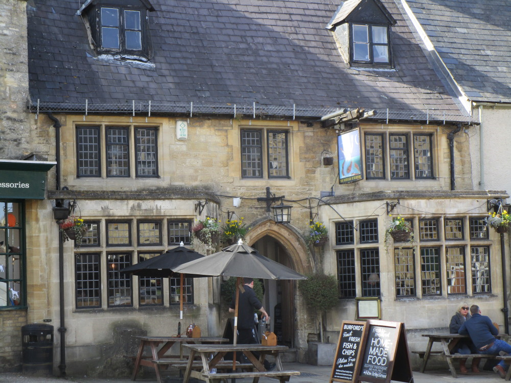 A40 Burford dog-friendly inn, Oxfordshire - Oxfordshire dog-friendly pub