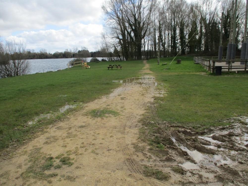 A419 Country Park dog walk and dog beach, Gloucestershire - IMG_1214.JPG