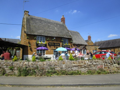 Kislingbury dog-friendly pub and dog walk, Northamptonshire - Driving with Dogs