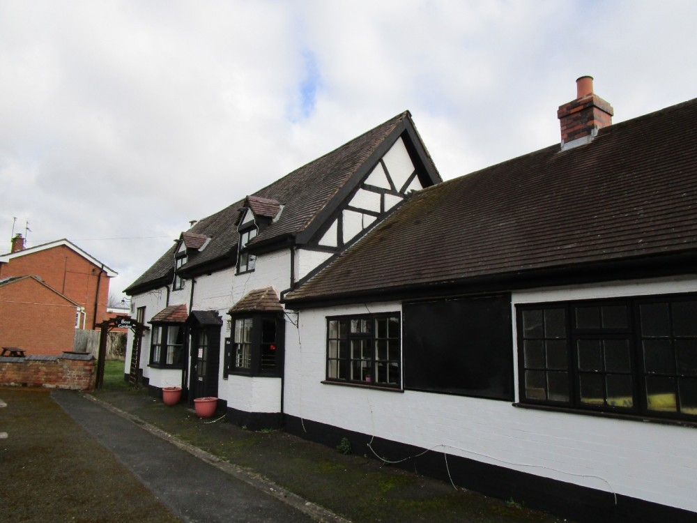 Rural dog-friendly pub and dog walk, Worcestershire - Worcestershire dogfriendly pubs.JPG