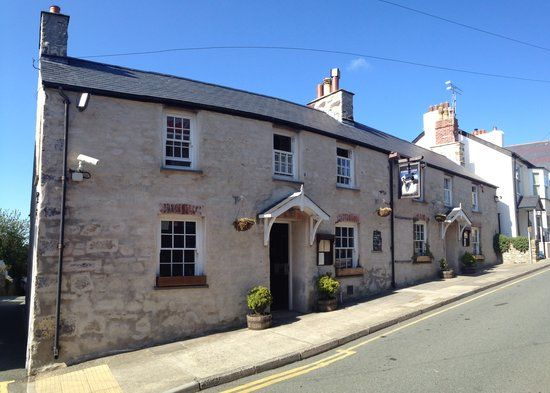 St Davids dog-friendly dining pub, Wales - Pembrokeshire dog-friendly pub.jpg