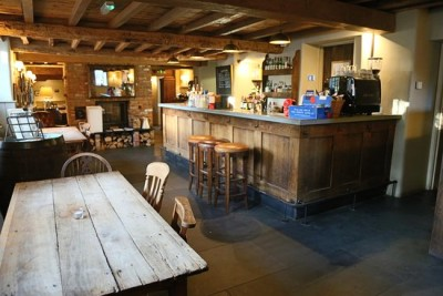 A350 award-winning pub and farm shop, Wiltshire - Driving with Dogs