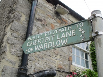 Dog walk and pub near Wardlow, Derbyshire - Driving with Dogs