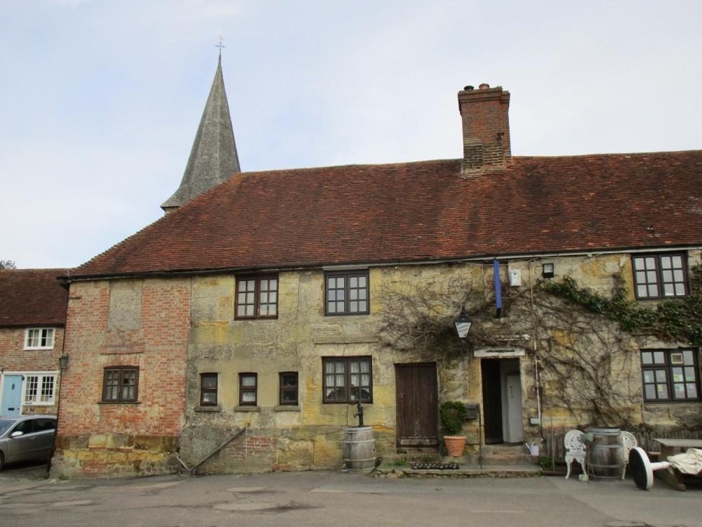 A265 Dog walk and dog-friendly pub, East Sussex - dog-friendly pubs with walks east sussex.JPG