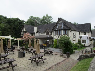 Fenny Bentley dog-friendly inn, Derbyshire - Driving with Dogs