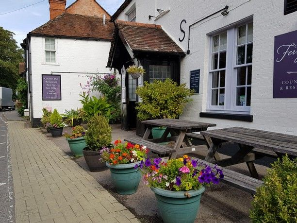 A stroll with the dog by the Thames, Oxfordshire - Dog walks from dog-friendly pubs Oxfordshire.jpg
