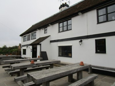 A252 dog-friendly pub and dog walk near Charing, Kent - Driving with Dogs
