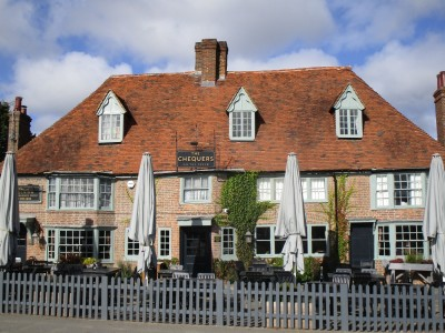 A28 dog walk and dog-friendly pub near Ashford, Kent - Driving with Dogs