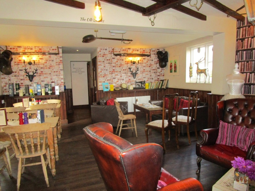 Shadoxhurst dog friendly pub, Kent - Kent dog-friendly pubs with dog walks