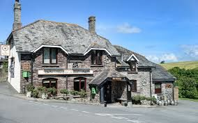 Dog-friendly coast pub near Plymouth with walks, Devon - Driving with Dogs