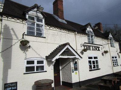 Wolverley dog-friendly pub and dog walk, Staffordshire - Driving with Dogs