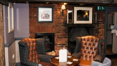 Ye Olde Leathern Bottel dog-friendly pub, Berkshire - Driving with Dogs