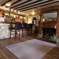 M4 dog-friendly pub and dog walk near Swindon, Wiltshire - Wiltshire dog-friendly pub and dog walk
