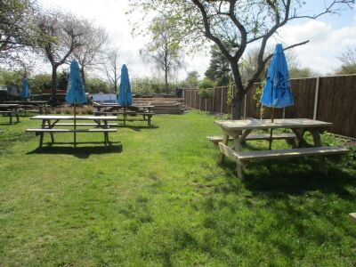 A149 relaxed family and dog-friendly village pub, Norfolk - Driving with Dogs