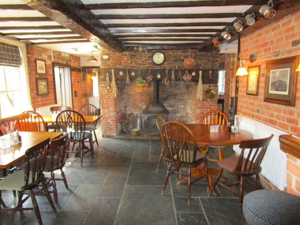 Dog-friendly riverside pub near Malvern, Herefordshire - dog-friendly pubs and dog walks herefordshire.JPG
