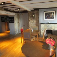 A44 dog-friendly pub, with walks and campsite, Oxfordshire - Oxfordshire dog-friendly pub and dog walk.JPG