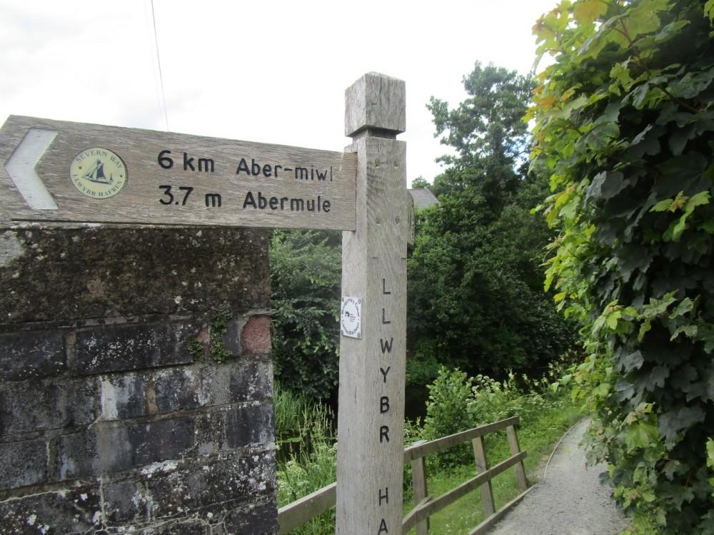 A483 dog-friendly inn and dog walk near Montgomery, Powys, Wales - dog-friendly pubs and dog walks in Wales.JPG