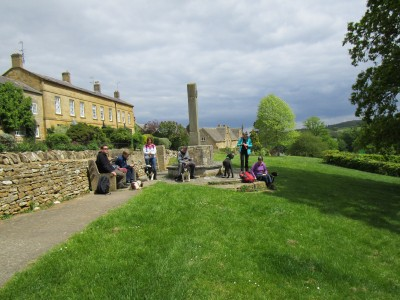 A44 dog-friendly pub and dog walk near Moreton-in-Marsh, Gloucestershire - Driving with Dogs