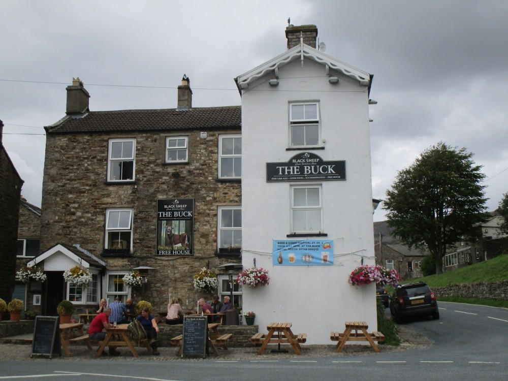 Heritage dog-friendly pub and walk, Yorkshire - Yorkshire dog-friendly pub and dog walk