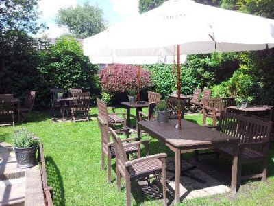 A329 dog-friendly pub and stroll near Bracknell, Berkshire - Driving with Dogs