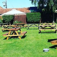 A148 dog-friendly village pub near Weyborne Heath, Norfolk - Dog-friendly pub and dog walk near Holt