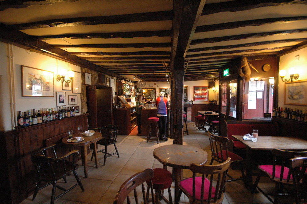Dog-friendly pub and walk on the Downs, Wiltshire - Wiltshire dog friendly pub and dog walk