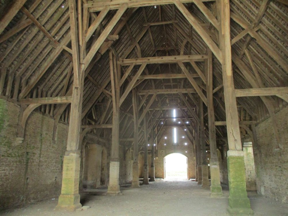Enormous medieval barn and lovely dog walk, Oxfordshire - Oxfordshire dog walks.JPG