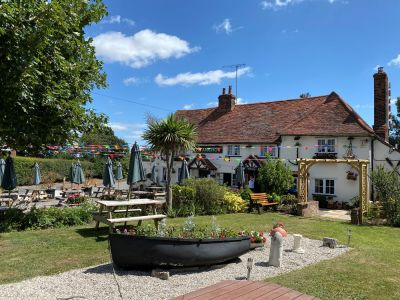 A414 Dog-friendly pub near Chelmsford, Essex - Driving with Dogs