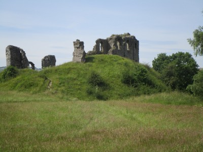 Brooding ruins and riverside dog walk, Shropshire - Driving with Dogs