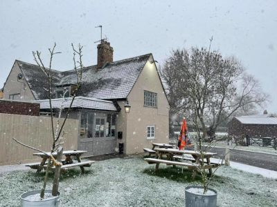 Dog-friendly pub near Bedford, Bedfordshire - Driving with Dogs