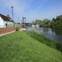 Riverside dog walk and dog-friendly hotel, Worcestershire - Worcester dog-friendly hotel and dog walk.JPG