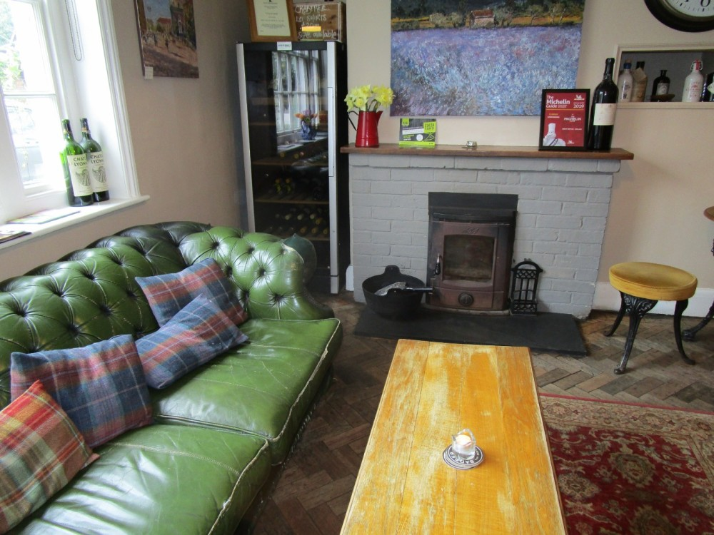 A281 dog-friendly pub and walk, West Sussex - Dog-friendly pub with dog walk Sussex.JPG
