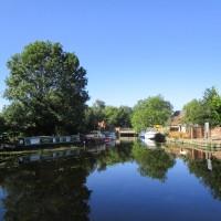 River Soar dog-friendly pub and dog walk, Leicestershire - Leicestershire dog-friendly pub with dog walk