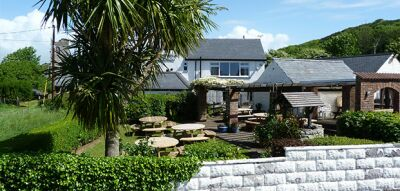 Pwllheli dog-friendly pub, Wales - Driving with Dogs