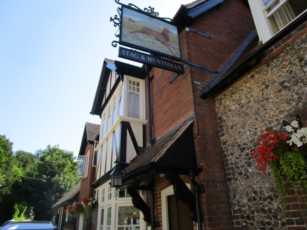 Hambleden valley dog walk and dog-friendly pub, Buckinghamshire - Buckinghamshire dog walk and dog-friendly pub