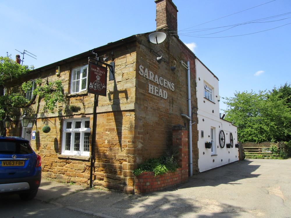 M1 Junction 16 dog-friendly pub and dog walk, Northamptonshire - Dog walks in Northamptonshire
