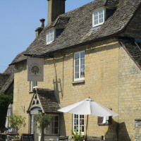 A44 Dog-friendly pub and dog walk near Charlbury, Oxfordshire - Dog walks in Oxfordshire