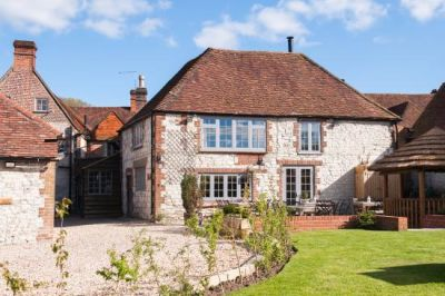 South Downs Way dog-friendly pub with B&B, West Sussex - Driving with Dogs