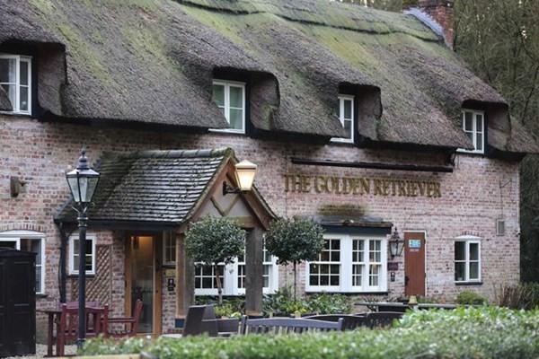 The Golden Retriever dog-friendly pub, Berkshire - the-golden-retriever-bracknell-berkshire-2.jpg