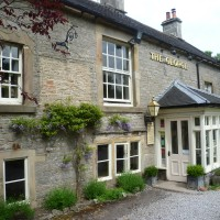 Alstonefield dog walk and dog-friendly pub, Derbyshire - Peak District dog walk and dog-friendly pub